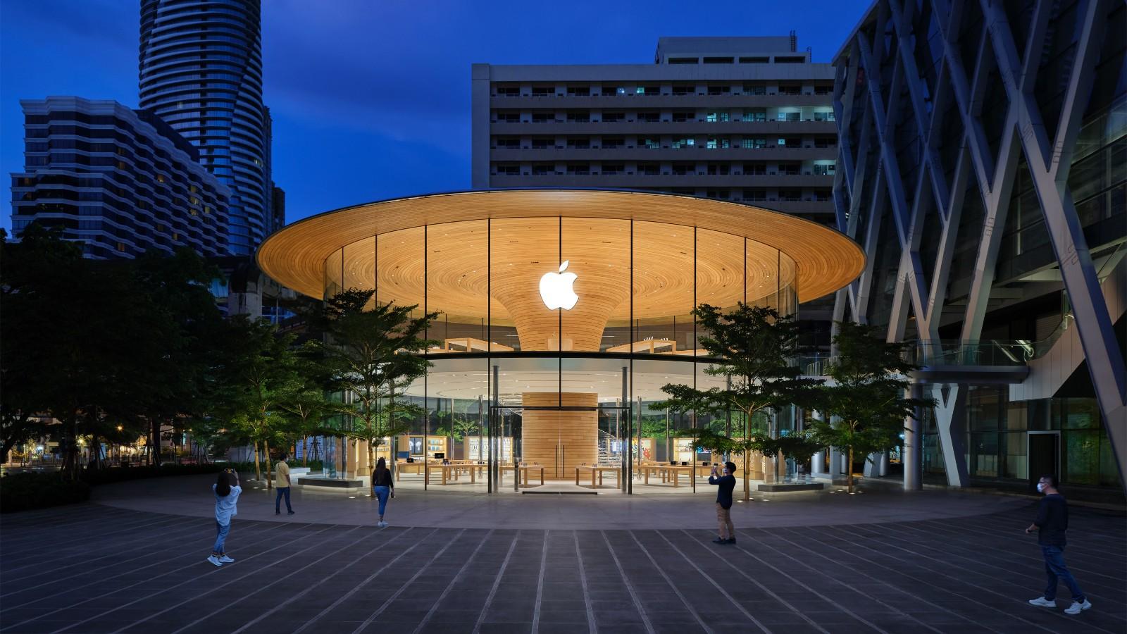 Apple Central World 的户外广场和主外观。.jpg